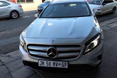 Mercedes Benz GLA 200 A/T 2015