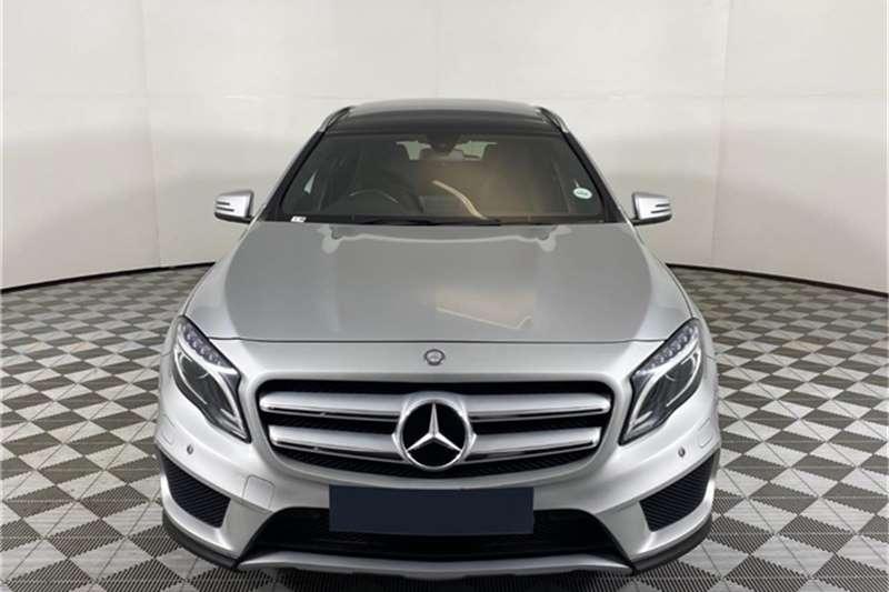 Mercedes Benz GLA 200 auto 2016