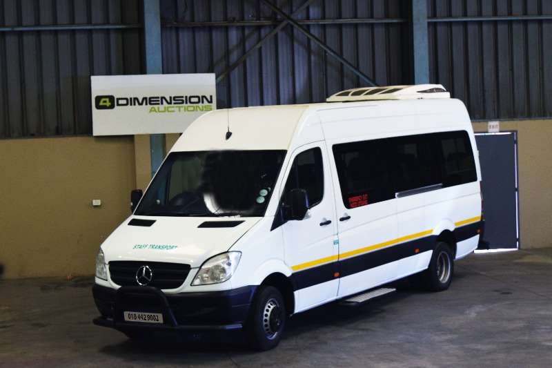 Mercedes Benz Sprinter V8 Engine 2012