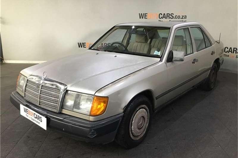 Mercedes Benz W123 SHAPE SEDAN 1986