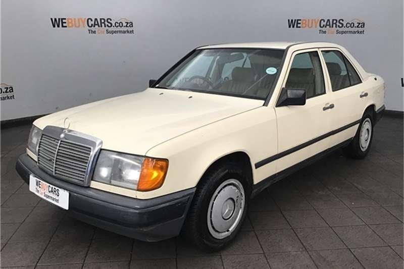 Mercedes Benz W124 SHAPE SEDAN 1987