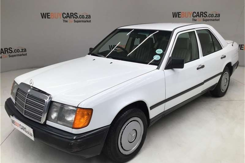 Mercedes Benz W124 SHAPE SEDAN 1987