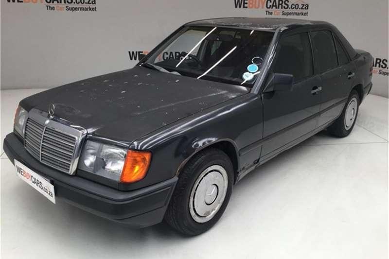 Mercedes Benz W124 SHAPE SEDAN 1989