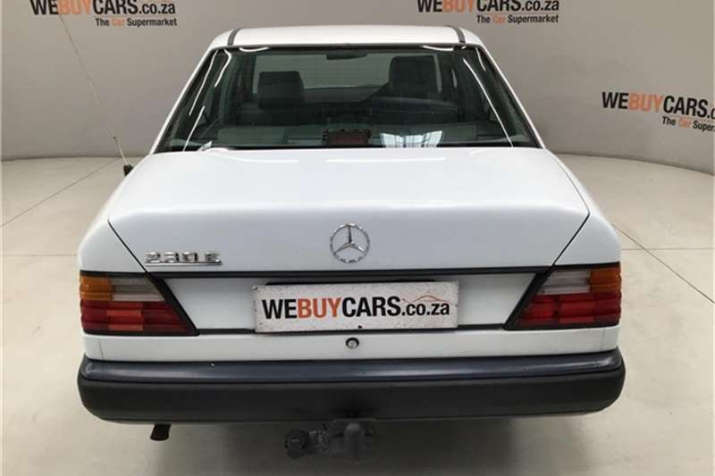 Mercedes Benz W124 Shape Sedan 1989