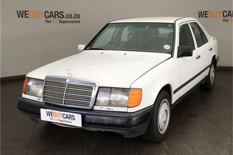 Mercedes Benz W124 Shape Sedan 1993