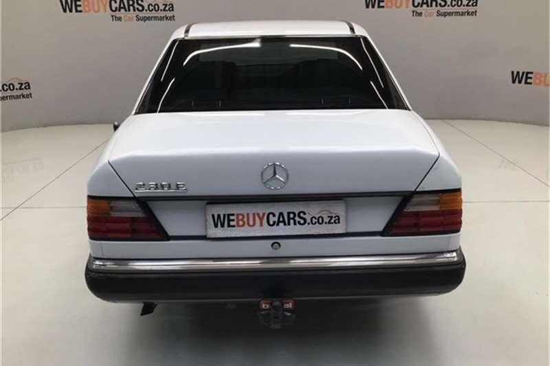 Mercedes Benz W124 Shape Sedan 1995