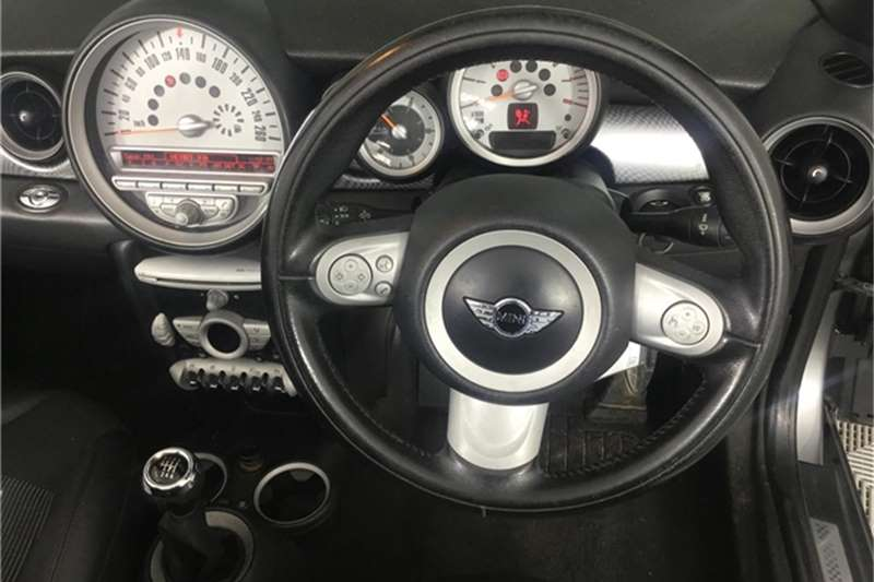 Mini Convertible Cooper S Convertible 2010