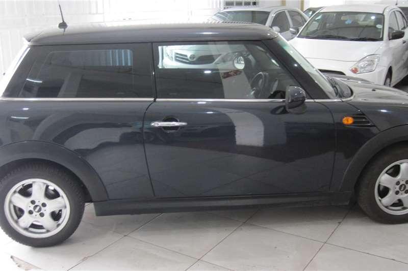 Mini Hatch 3-door COOPER 2010