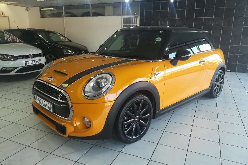 Mini Hatch Cooper A/T (John Cooper Works package) One owner 2016