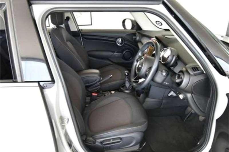 Mini Hatch Cooper Hatch 5 door 2016