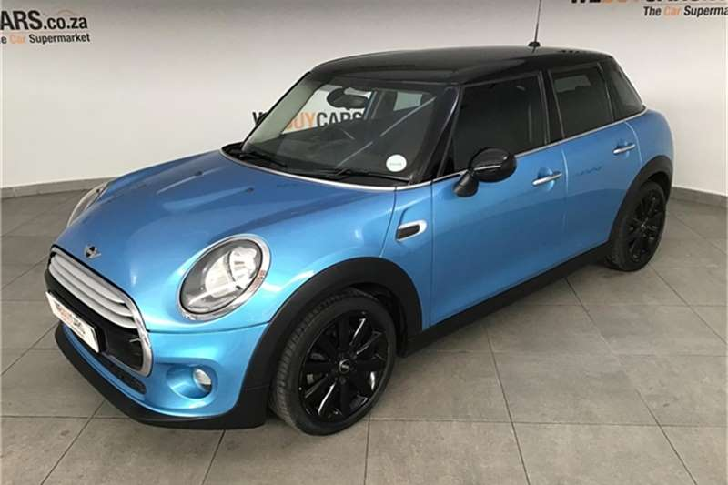 Mini Hatch Cooper Hatch 5 door auto 2015