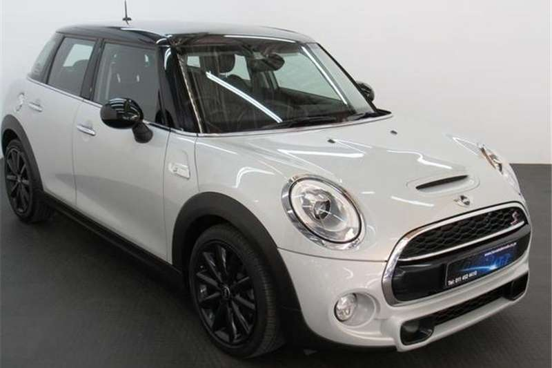 Mini Hatch Cooper S Hatch 5 door 2017