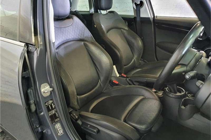 Mini Hatch Cooper S Hatch 5 door auto 2014