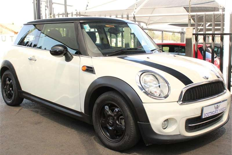 Mini hatch Cooper steptronic 2011
