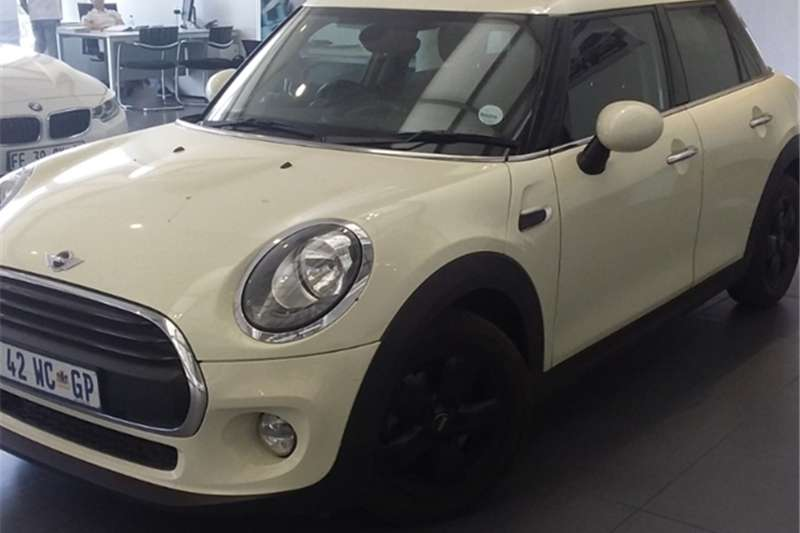 Mini Hatch One Hatch 5 door 2015