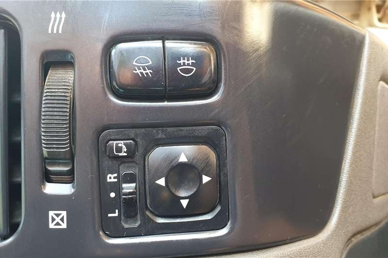 Mitsubishi Pajero 5 door 3.2DI D GLS 2001