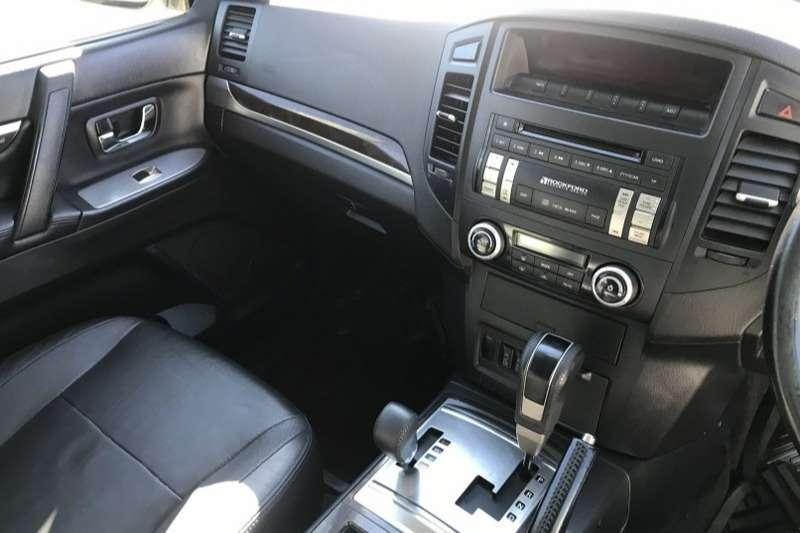 Mitsubishi Pajero 5-door 3.2DI-D GLS 2010
