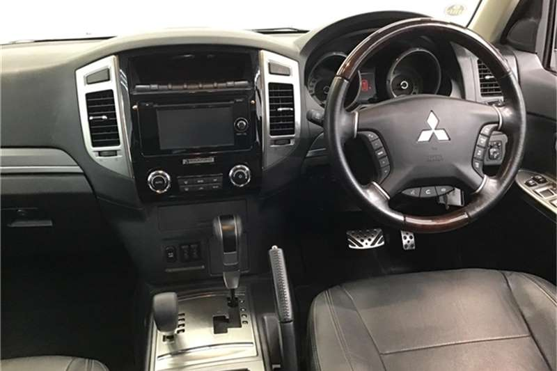Mitsubishi Pajero 5-door 3.2DI-D GLS 2017