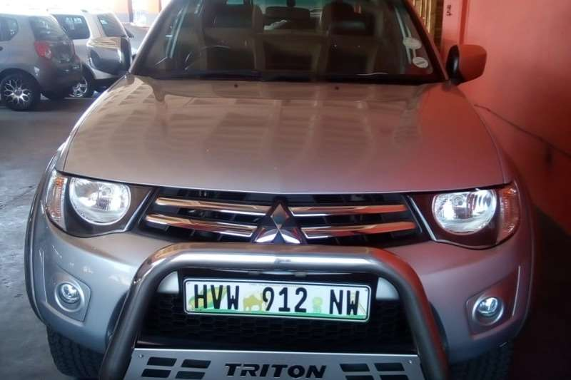 Mitsubishi Triton 2.4 double cab 2012