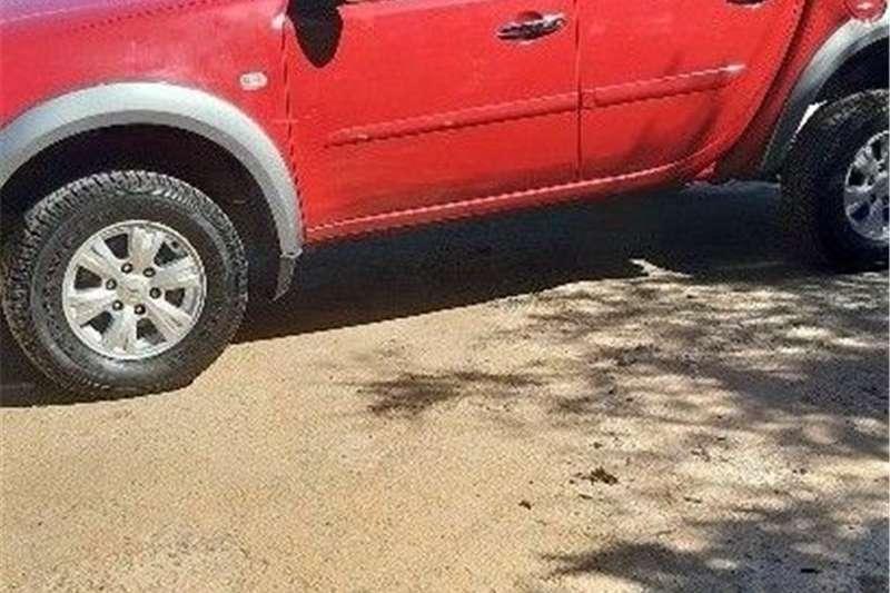 Mitsubishi Triton 2.4DI D double cab 2012