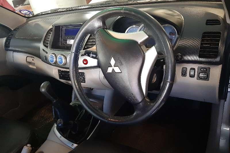 2010 Mitsubishi Triton double cab TRITON 2.4 Di DC 4X4 P/U D/C