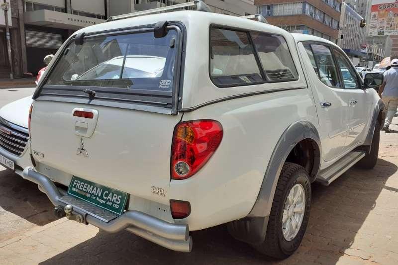 2012 Mitsubishi Triton double cab TRITON 2.4 Di DC 4X4 P/U D/C