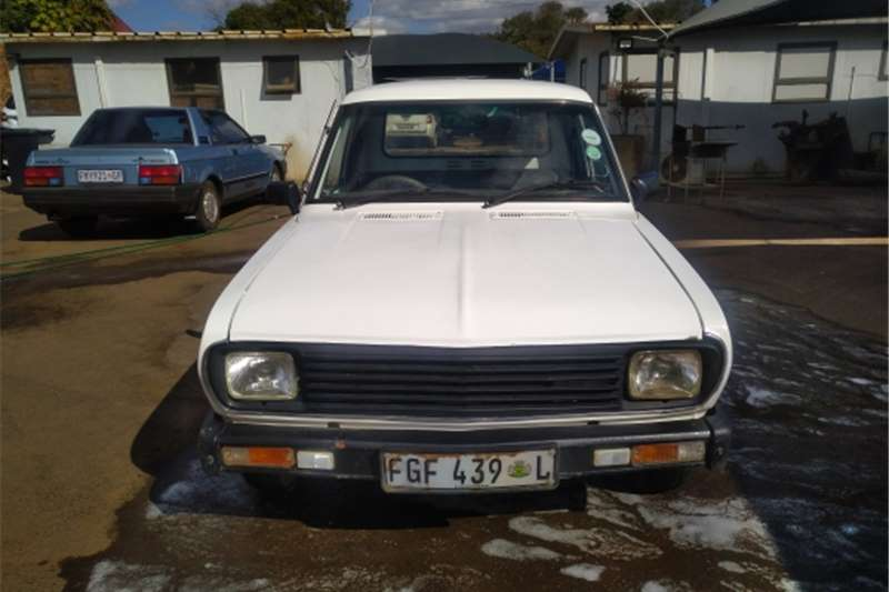Used 2001 Nissan 1400