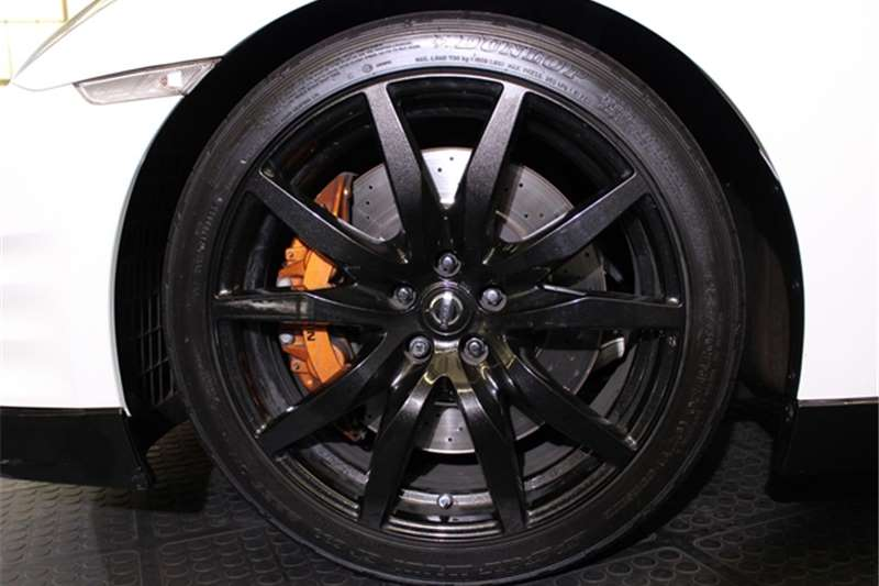 Nissan GT-R Black Edition 2016