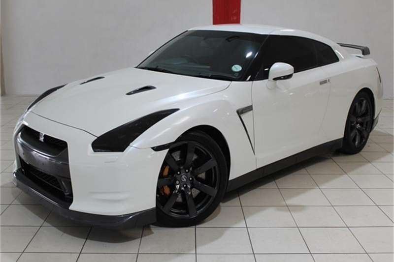 Nissan GT-R Premium Edition 2010