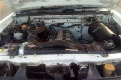 Nissan Hardbody 2.0 16V LWB power-steer 2015