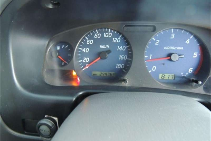Nissan Hardbody 3.0 16V TD double cab 4x4 SEL 2005