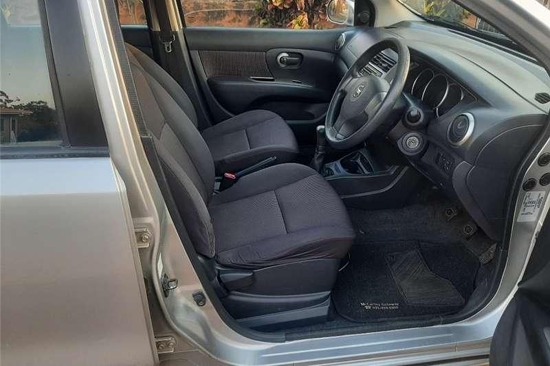 2009 Nissan Livina