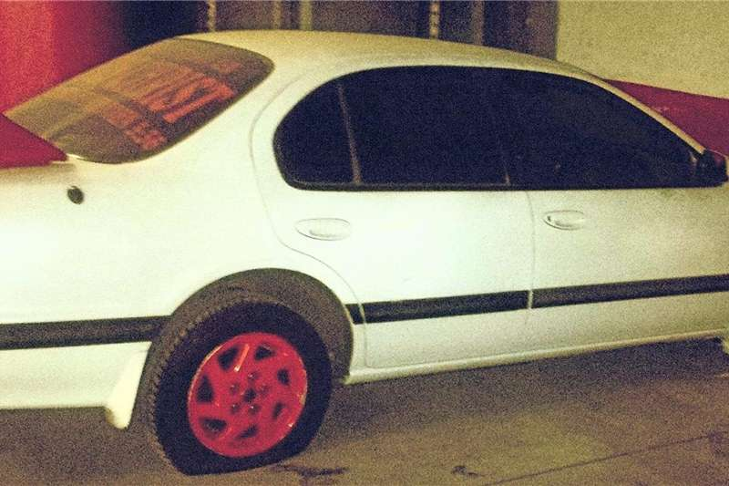 Nissan Maxima QX 3.0 V6 automatic 1999