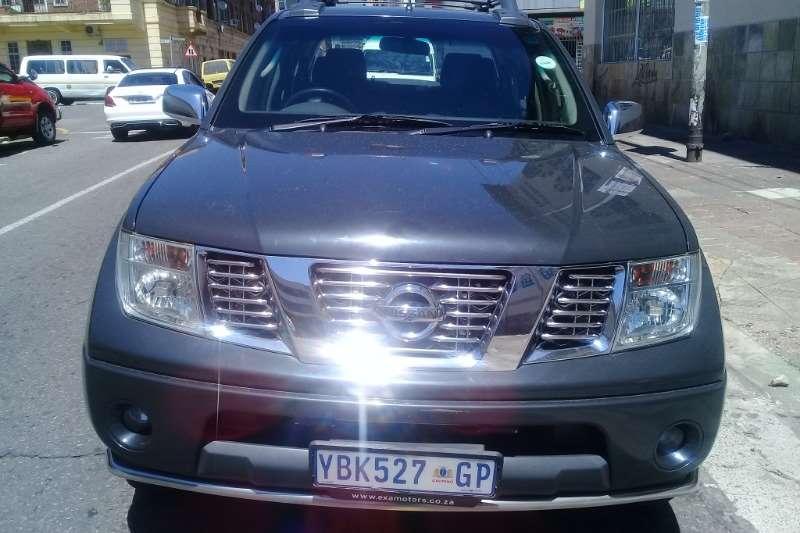 Nissan Navara 2.3D double cab 4x4 LE 2006