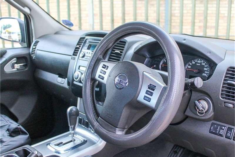 Nissan Navara 2.5dCi double cab 4x4 LE auto 2012