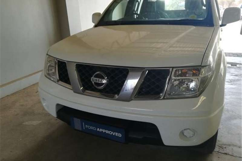 2010 Nissan Navara 2.5dCi double cab 4x4 SE