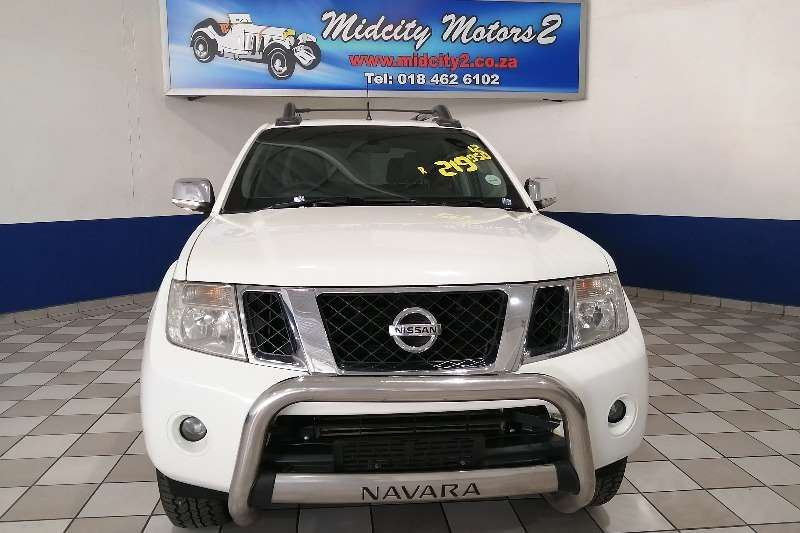 2012 Nissan Navara 3.0dCi V6 double cab 4x4 LE