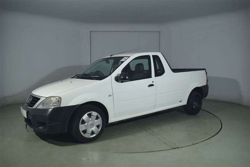 Nissan NP200 1.6 A/C SAFETY PACK P/U S/C 2012