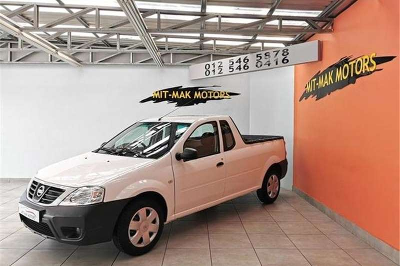 Nissan NP200 1.6i (aircon) safety pack 2019