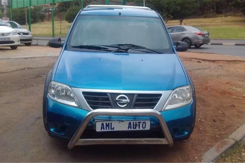 Nissan NP200 2012