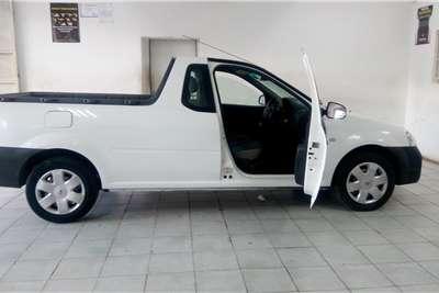 Nissan NP200 2014