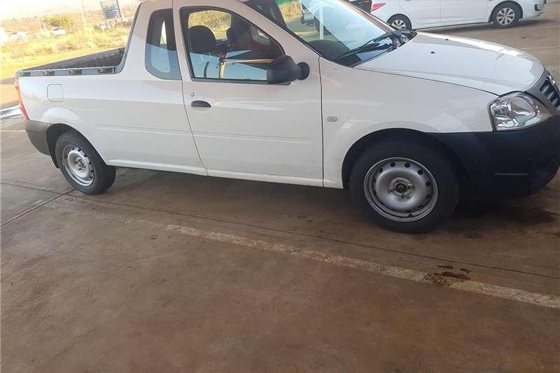 Used 2014 Nissan NP200