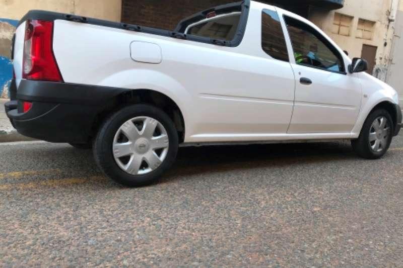 Nissan NP200 2015