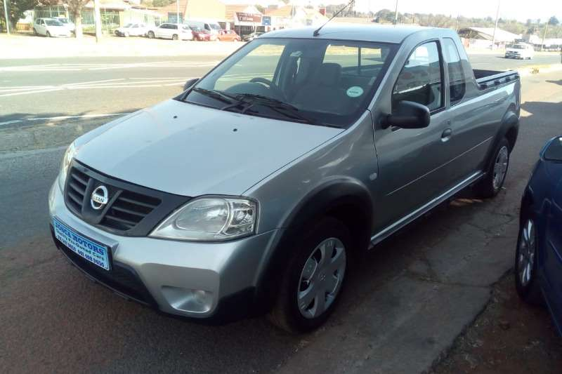 2013 Nissan NP200 1.6i loaded