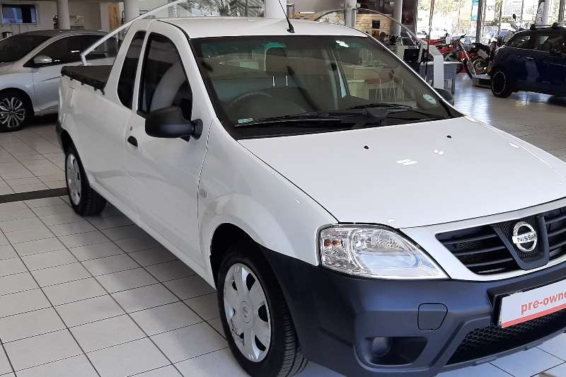 2016 Nissan NP200 1.6i (aircon)