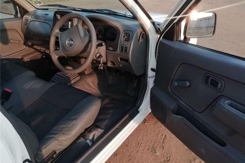 Nissan NP300 Hardbody 2.0 2013