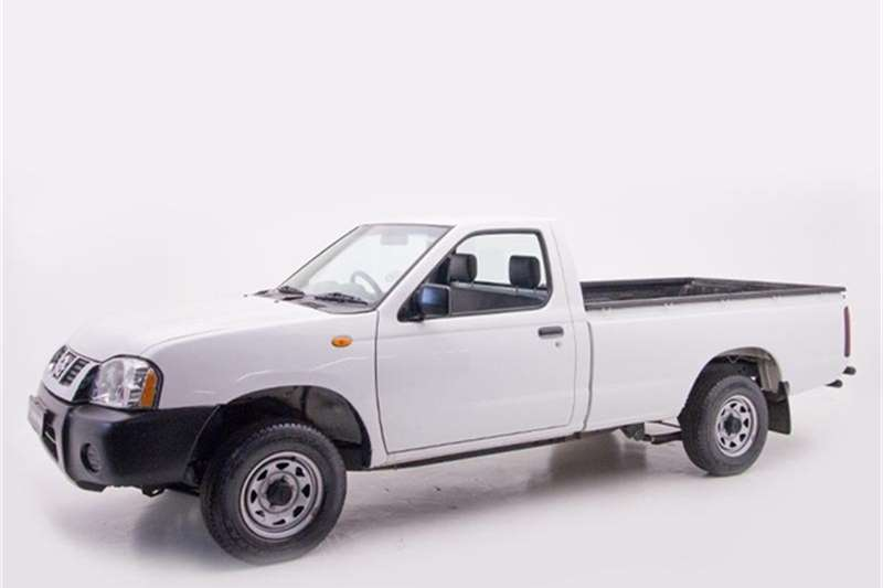 Nissan NP300 Hardbody 2.0 2014