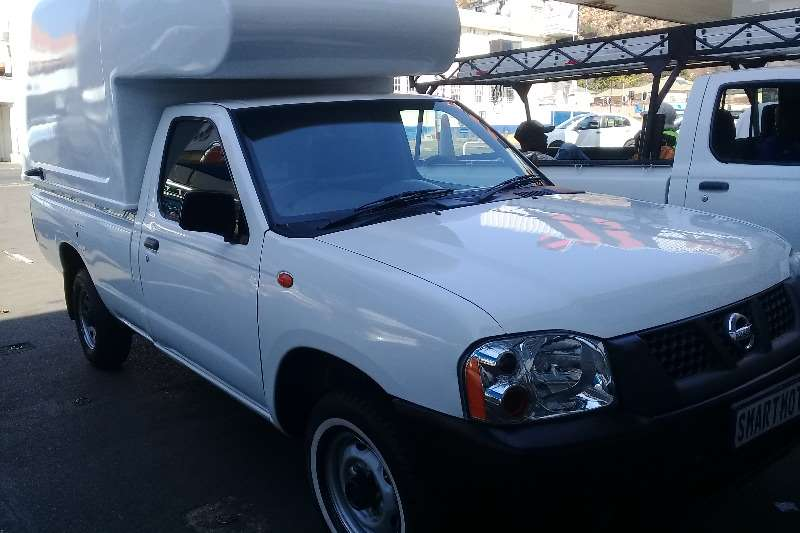 Nissan NP300 Hardbody 2.0 (aircon) 2014