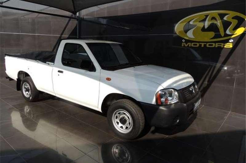 Nissan NP300 Hardbody 2.0 Mid 2015