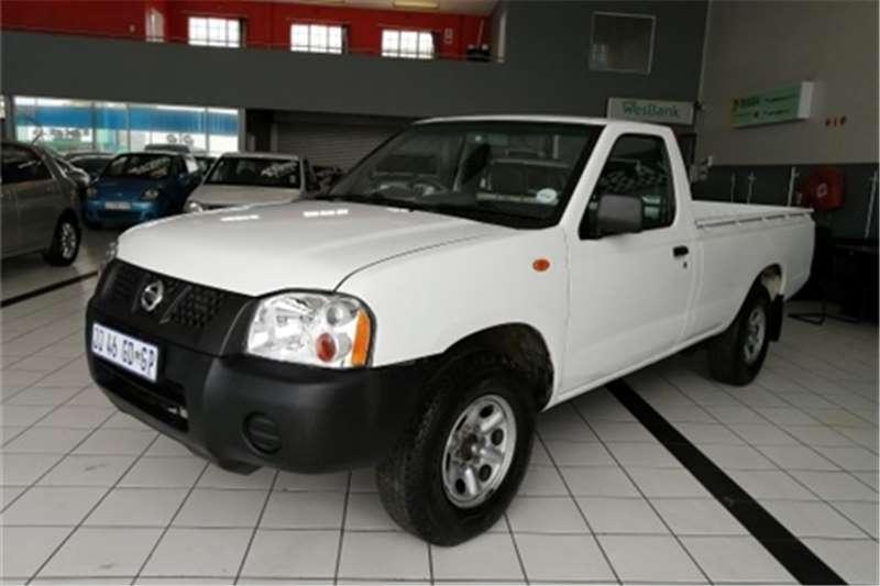 Nissan NP300 Hardbody 2.0 S 2012